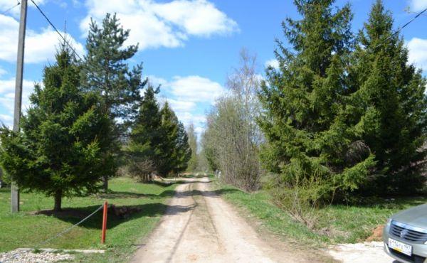 Участок 15 соток в тупиковой деревне Б.Никольское